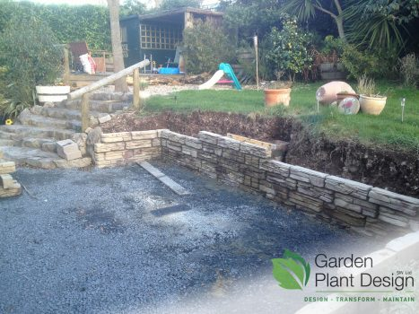 Retaining Wall out of drystone effect blocks